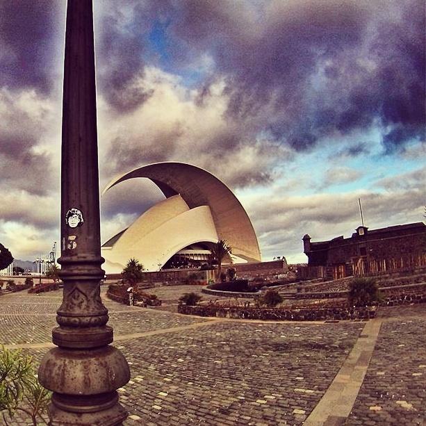Peipegata sticker slap stickerart  bombardeando Tenerife-España