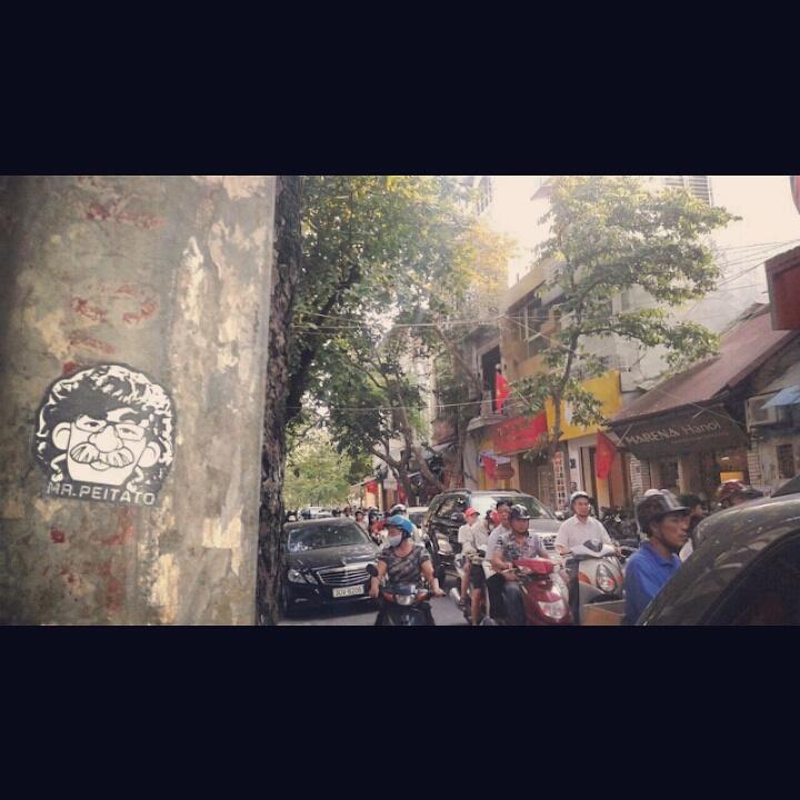 Peipegata sticker slap stickerart  bombardeando Vietnam