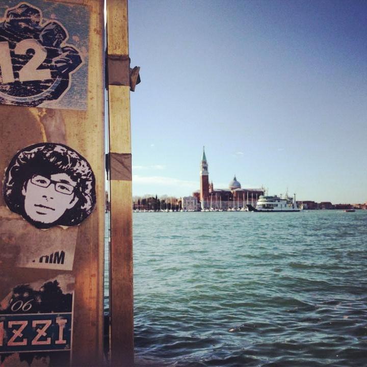 Peipegata sticker slap stickerart  bombardeando Venecia-Italia