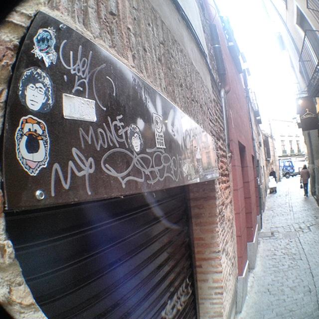 Peipegata sticker slap stickerart  bombardeando Segovia-España
